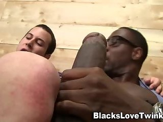 twink sucks big dark dick