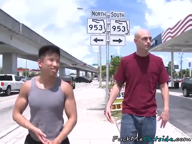 Bald Wgreetingste Hunk sucks And copulates Muscle asian