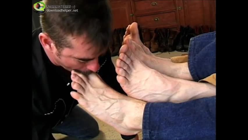 Mustacthis chabd boy licks And sucks On A couple Of boys Feet, Paying special Attention To Tthis chab Toes.