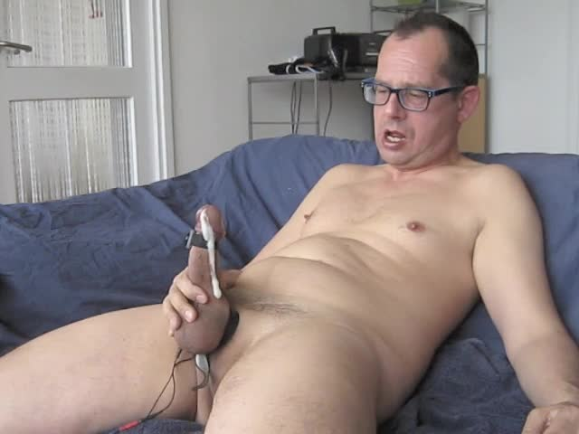 Handsfree cumming By Electro Stimulation.