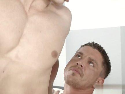 Muscle Son love juice On Body