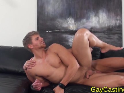 Scruffy Hunk anal toy Play At gaycastings