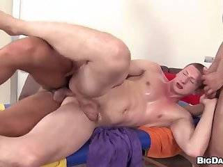 beautiful Bodybuilders Threeway poke