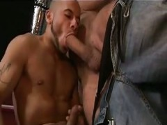 Tattooed dudes Making Out In orgy
