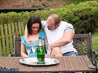Hunk Facialized In Bi Sex