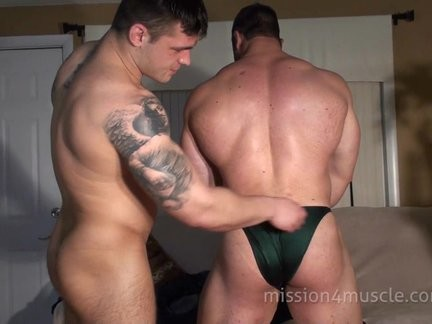 Muscle stud bare Stripping