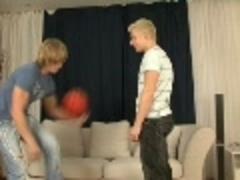 2 Blond boys