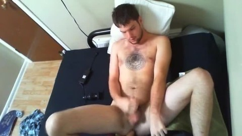 Love Making This prostitute To Play With His hole, he Does It So Well!