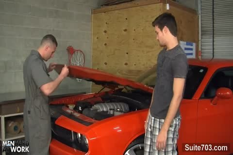 sexy homo Mechanic receives nailed In The Garage