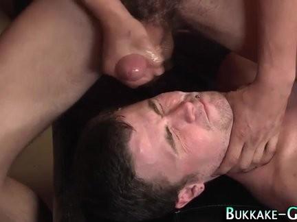 homo dilettante gets Bukkake