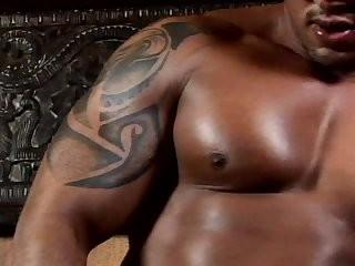 dark Bodybuilder Masturbating