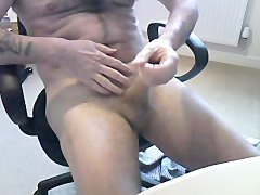 Oiled & jerk offing