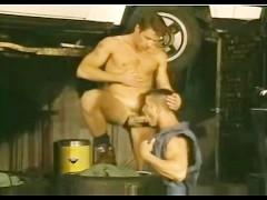 Vintage: Garage pound