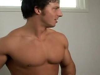 [GVC 178] Muscle dudes enjoy oral-stimulation-job