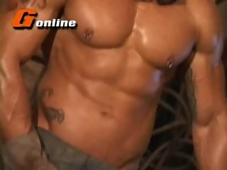 [GVC 196] Muscly stud jerking off