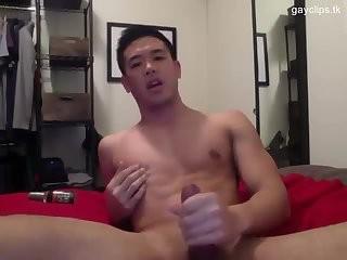 [GVC 269] oriental chap webcam jerking off
