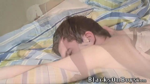 White lad Screams As he's Getting His First dark knob