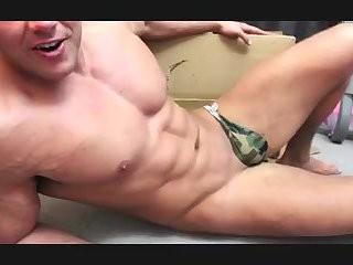 [GVC 365] Muscly Hunk Teasing