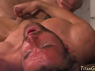 Muscled dude semen overspread