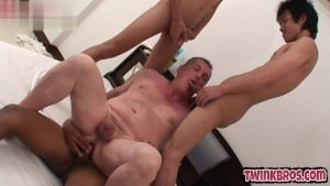 excited boyfrends sucking cock