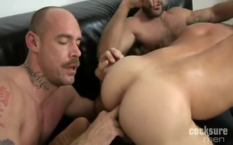 Rogan bonks Muscle Daddy And wild Pup