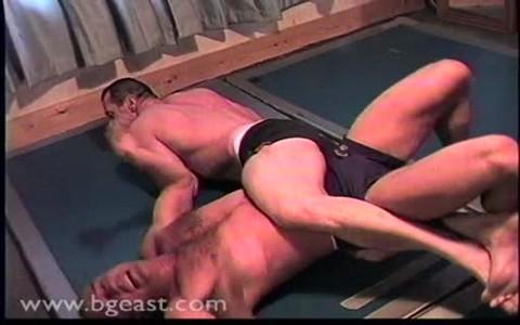 massive Wrestling: Iain VS. Dane
