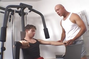 lovely Gym dudes Making Out while Working Out