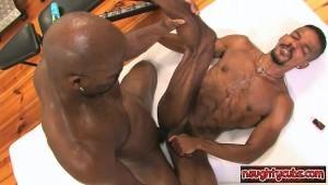 Muscle Cub Hard arse poke