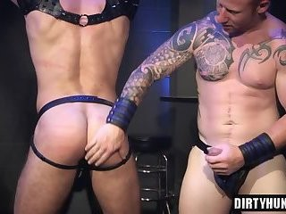 Muscle lad butthole slamming With cumshot