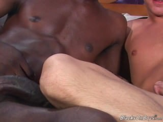 18 Yr daddy White twink Riding A dark cock