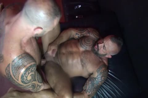 bare - Muscle Daddy Flip pound