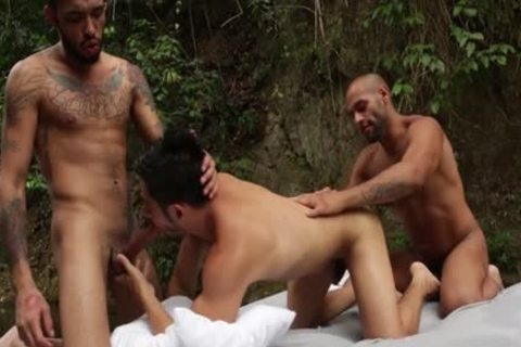 Latin homo 3some And semen flow