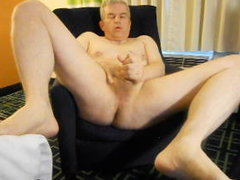 dad\'s kinkyel room jerkoff