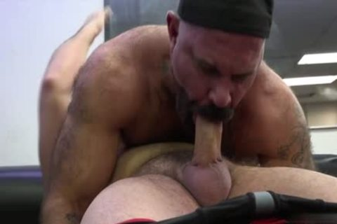 Muscle Bear anal invasion And dong juice flow