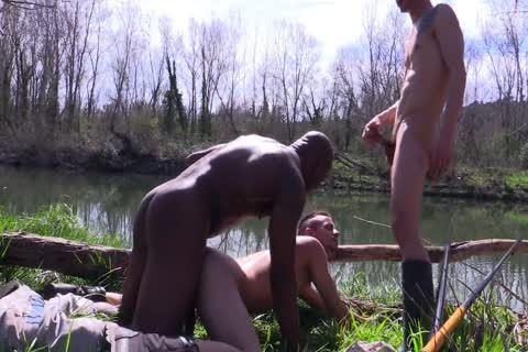 Spanish trio In The River