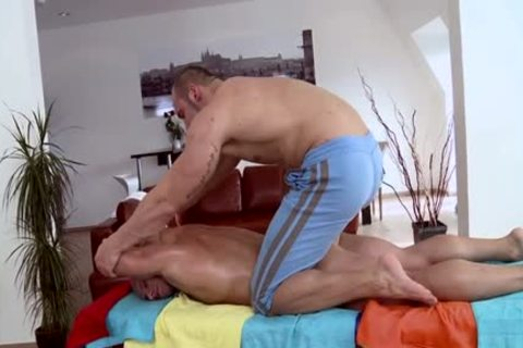 Muscle Daddy a bit of booty And Massage
