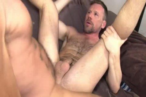 Cuming In throat