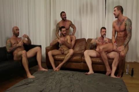 Orgia De 9 Machos Follando Apelo