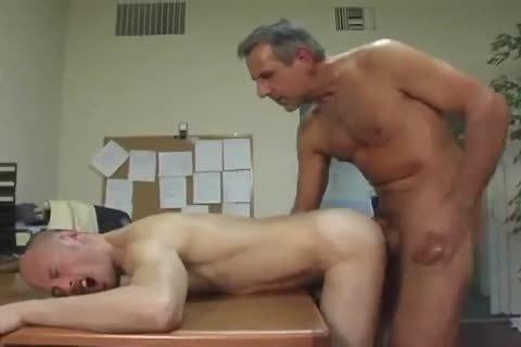 Daddy bangs new employeer
