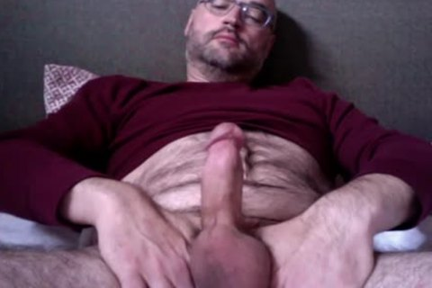 Watching Porn, Getting Hard, Tugging My Nuts, Snorting Poppers And Squeezing Out A Load. it is What A Spooj Monkey Does. Rate And Comment!