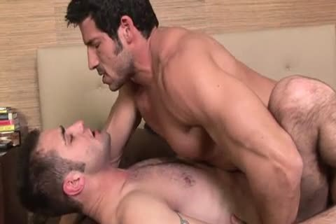 Blake & Leo blowing & nailing