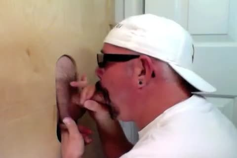 3 good weenies Share The Gloryhole Feeding Me enormous weenies And yummy Full Loads.