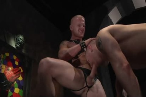 meaty Sex In A Very peculiar homosexual Scene