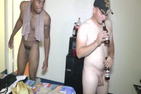 straight boyz Fuckin' Around (short Vid)