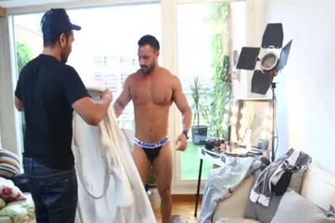 Flex Xtremmo & Lucio Saints Nail in nature's garb