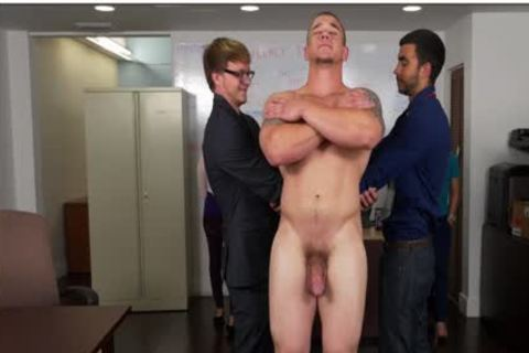 GRAB arse - Hunky Boss Teaches His Office Team All About Teamwork