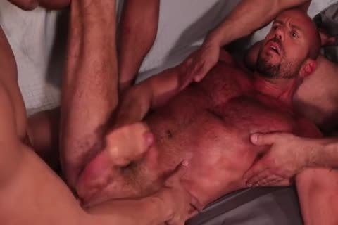 Rizzo, Lords, Andreas & Stevens - Muscled gangbang