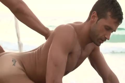Jordan Fox And Hugo Martin In Beach Love