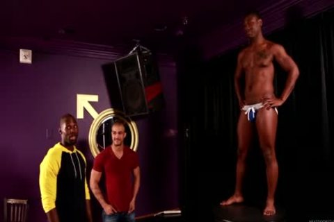 An Interracial threesome To enjoy With studs