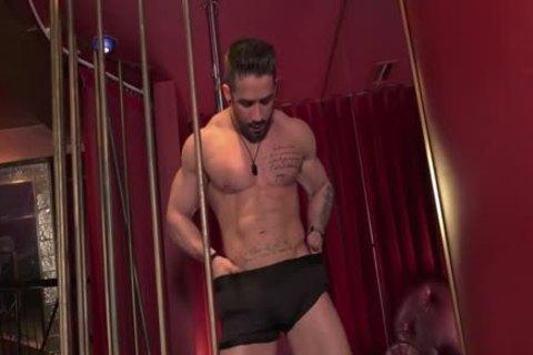 Zack Lemec undress Show